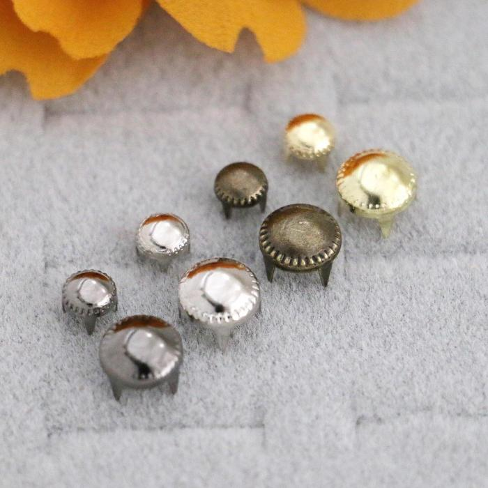 Prong Rivets Pearl