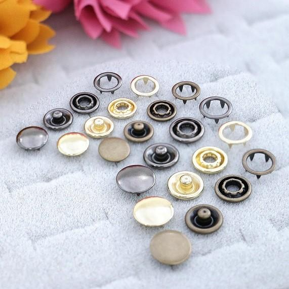 Metal Prong Ring Snaps With Button Cover